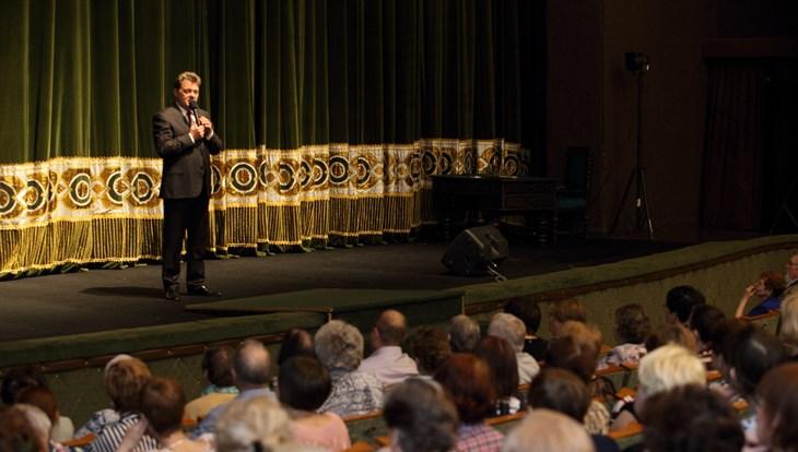 Творческие коллективы Томска провели для ветеранов концерт к 9 Мая