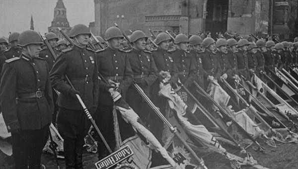 Выставка военной фотохроники 1941-1945 годов открылась в томском музее