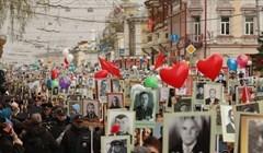 Около 20 тысяч человек прошли в колонне Бессмертного полка в Томске