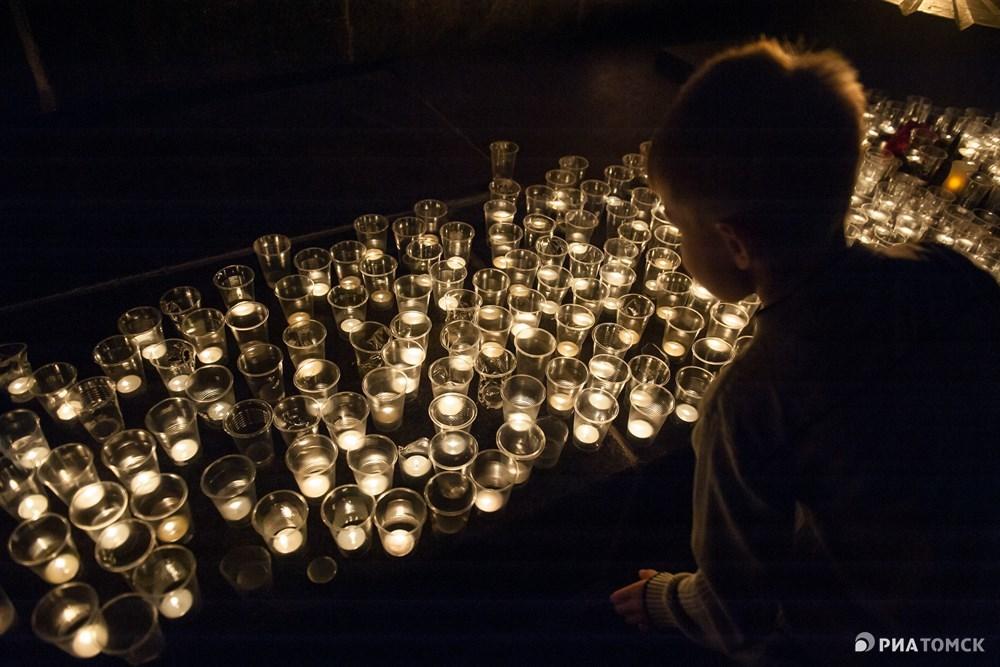 Ежегодная акция Свеча памяти в память о погибших в Великой Отечественной войне прошла в Лагерном саду Томска в ночь на четверг. Как это было – в фотоленте РИА Томск.
