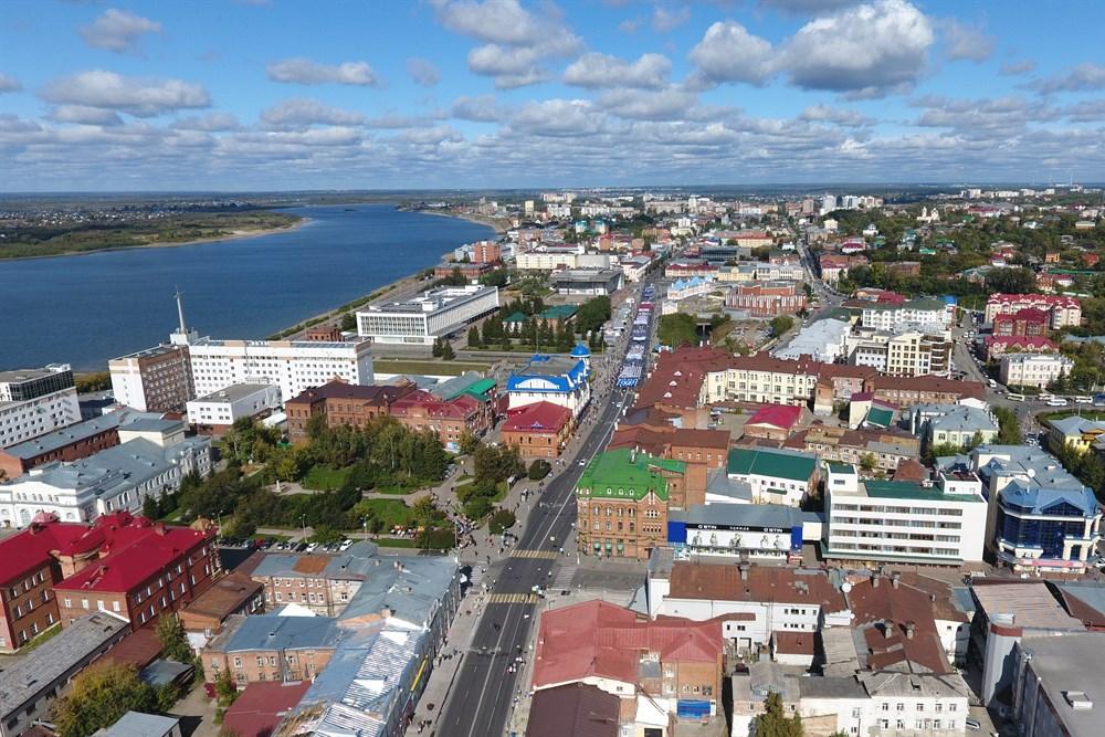 Они прошли от Набережной Томи до площади Новособорная