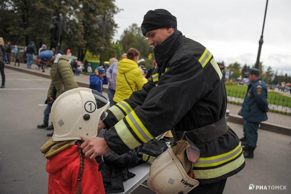 ...или ощутить себя в роли пожарного.