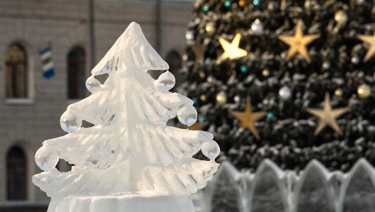 Более 750 звезд и шаров украсят елку на Новособорной в Томске