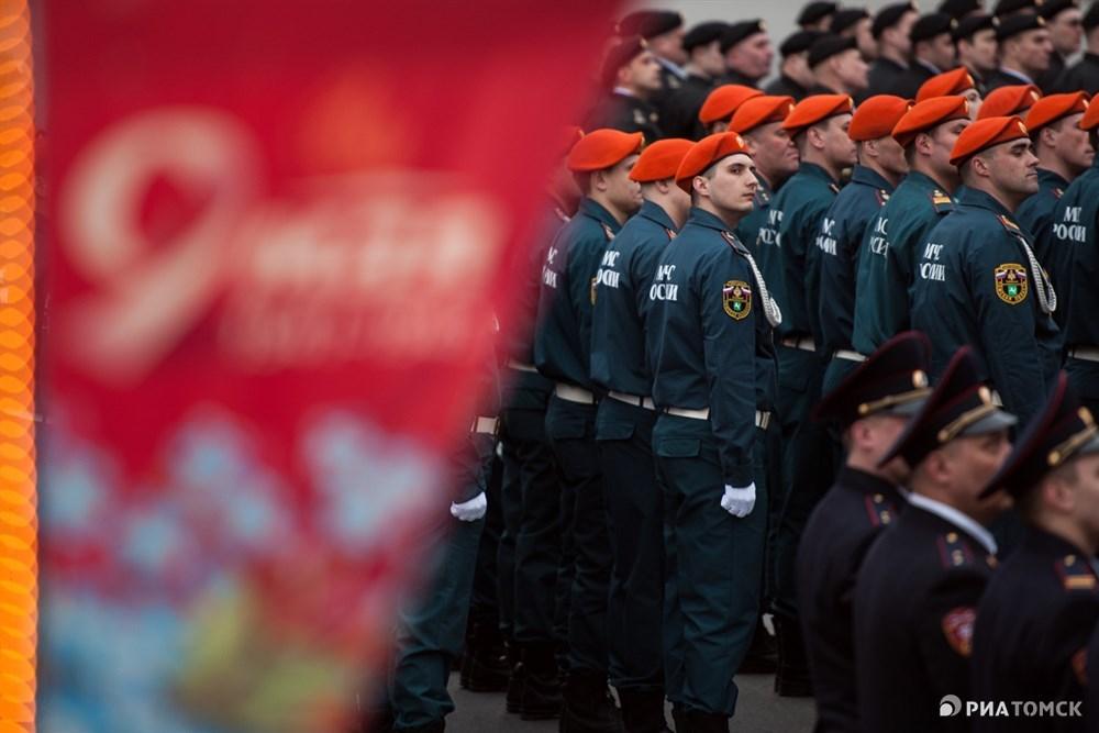 Генеральная репетиция парада, посвященного 73-й годовщине победы в Великой Отечественной войне, прошла в Томске. Как это было – на фото РИА Томск.