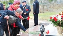 Сотрудники томского УФСБ и ветераны почтили память погибших в войне
