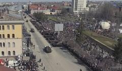 Колонна военной техники на Новособорной в Томске: виды с квадрокоптера