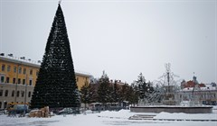 Как Новособорная площадь в Томске прихорашивается к Новому году: фото