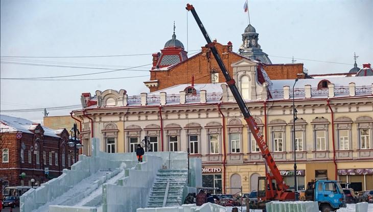 Как центр Томска наряжается к Новому году: фото