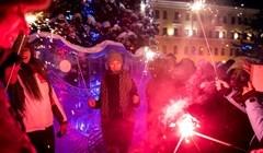 Елка, селфи, обнимашки: как Томск встретил Новый год-2020 – фото