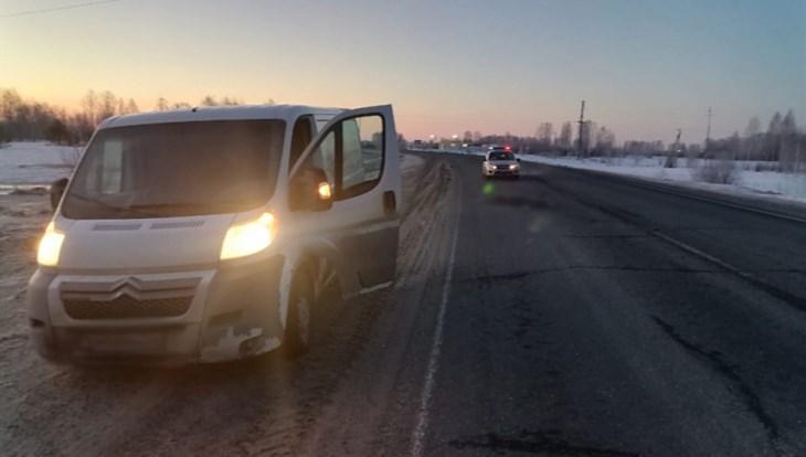 Фургон задавил парня, лежавшего на дороге возле томского села
