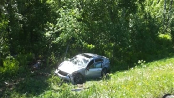 Две иномарки столкнулись под Томском, двое пострадали