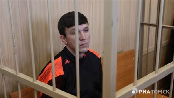 Обвиняемый вполучении взятки экс-руководитель томского УБЭП непризнал свою вину