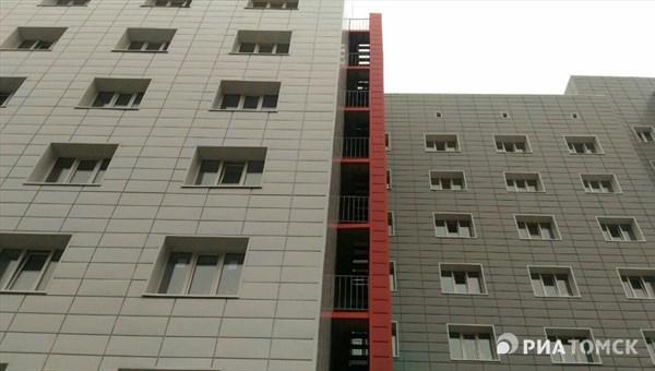 Студент ТГУ из Томска, имевший большие непогашенные кредиты, выбросился из окна 9-ого этажа