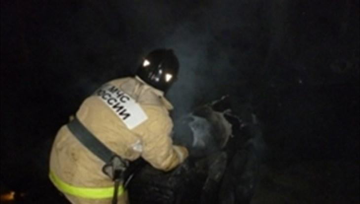 Пожарные эвакуировали 10 человек иззагоревшегося вцентре Томска деревянного дома