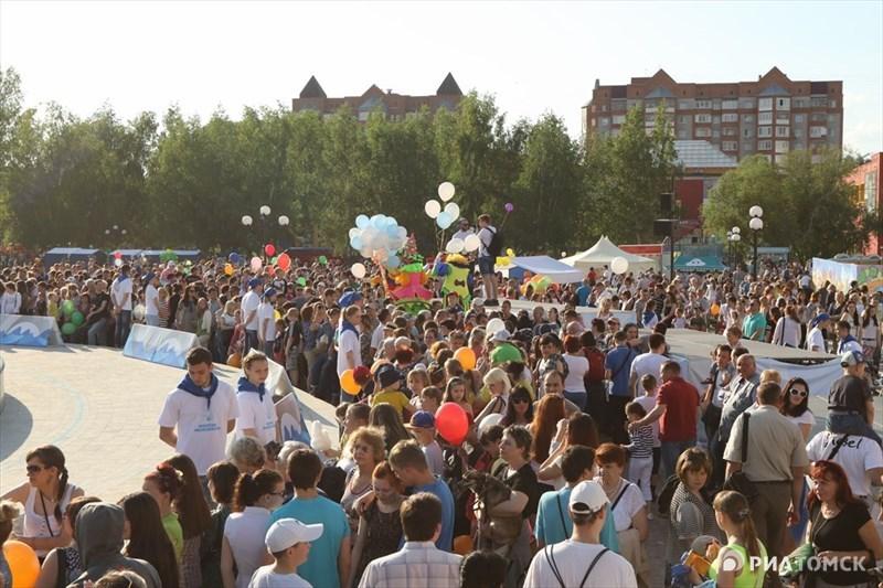 Завершился праздник на площади у Томских товаров – именно здесь прошли финальные мероприятия Дня города.