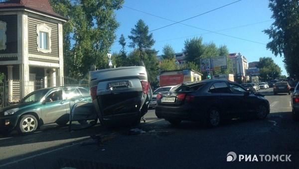 ВТомске втройном ДТП пострадали три человека, включая ребенка