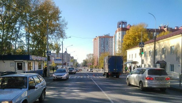 ВТомске автомобиль вневедомственной охраны сбил девочку