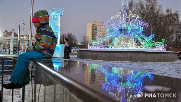 Светодиодный Солнечный цветок украсит площадь Новособорную в Томске