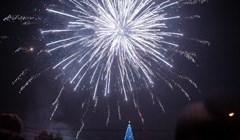 Новогодний фейерверк из 3, 5 тыс залпов озарил небо над Томском