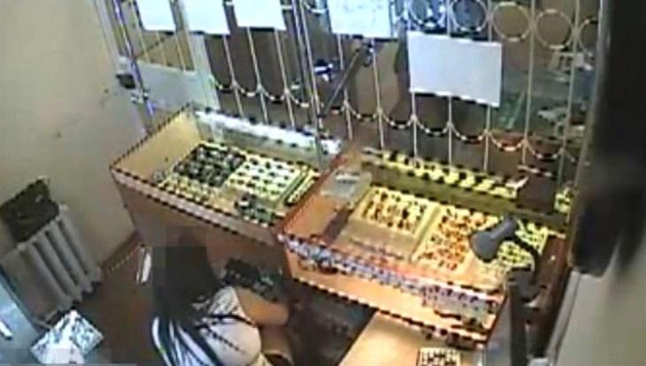 Подозреваемый вограблении ломбарда на860 тыс руб схвачен вТомске