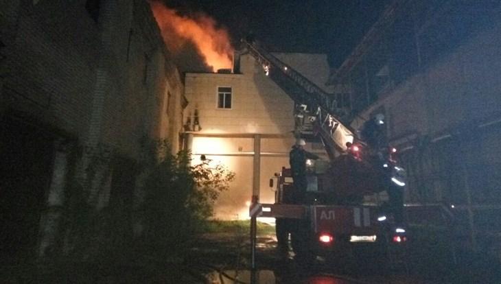 ВТомске из-за удара молнии случился пожар в помещении крупной торговой компании