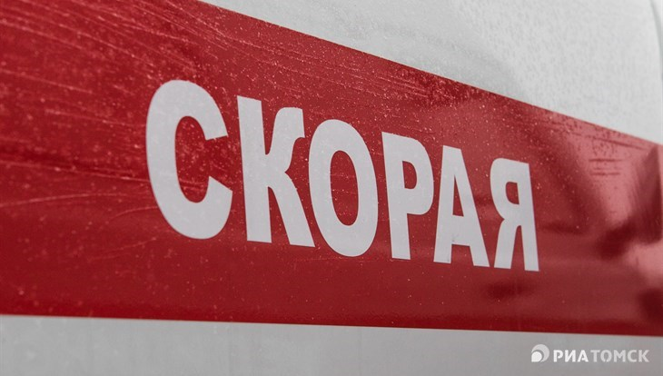 Рейсовый автобус съехал в кювет под Томском, двое пострадали
