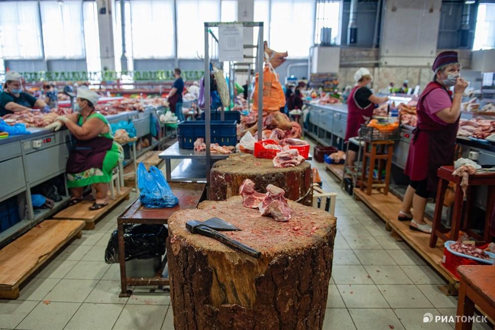По словам Бабаева, многим предпринимателям власти Томской области предлагали временное трудоустройство на других рынках. И хотя у многих кредиты, ипотека, семья, никто практически не пошел на другие рынки работать, все ждали открытия Центрального, – говорит он.