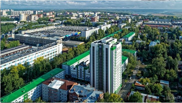 Теплая погода с порывистым ветром ожидается в Томске в четверг