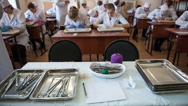 Департамент труда: более 1 тыс медиков требуется в томские больницы