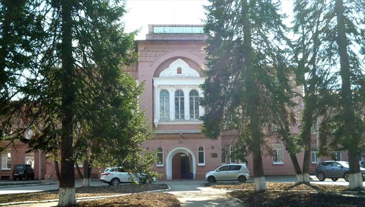 Санитарка томской психбольницы обвиняется в краже денег у пациентки