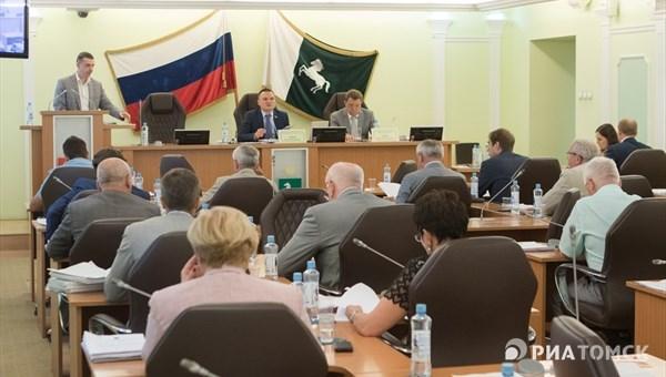 Только 2 депутата думы Томска получили доход более 10 млн руб в 2016г