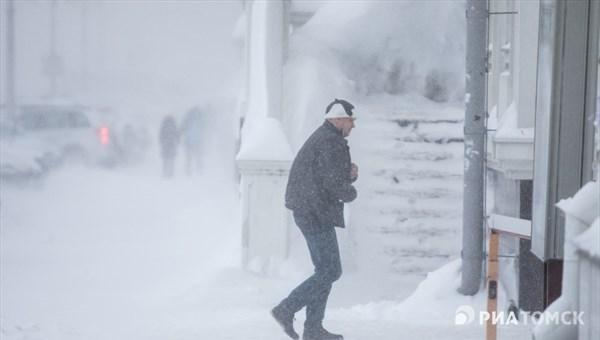 Снежные заносы и гололедица возможны в Томске во вторник