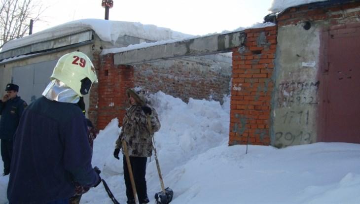 Власти Томска помогут семье ребенка, погибшего из-за падения снега