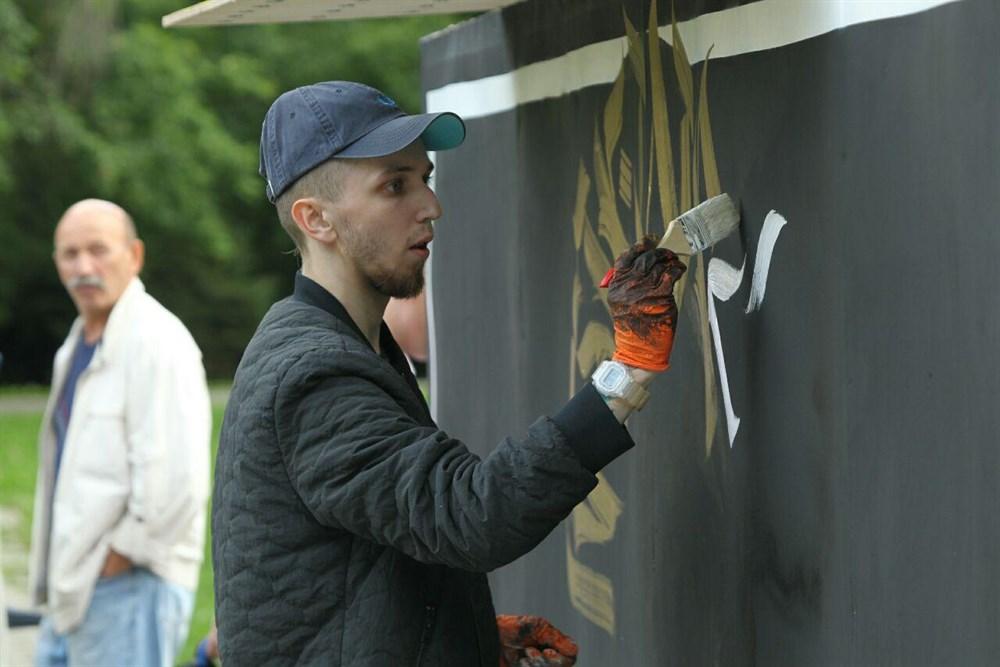 Поклонники граффити соревновались в мастерстве.