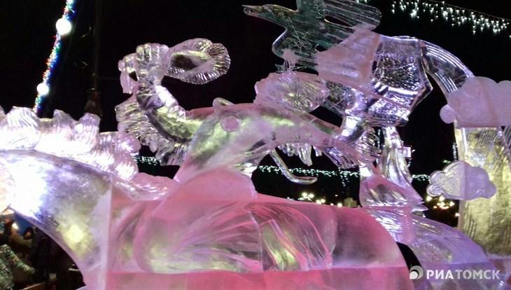 """Ледовая скульптура """"Шаман"""" победила на фестивале """"Хрустальный Томск"""""""