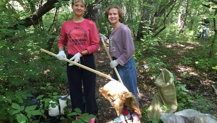 Томичи собрали в Михайловской роще 250 мешков мусора