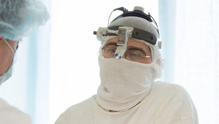Томские хирурги вырезали опухоль трахеи 81-летней пациентке